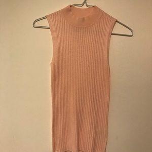 NEVER WORN- Light pink sleeveless mock neck shirt